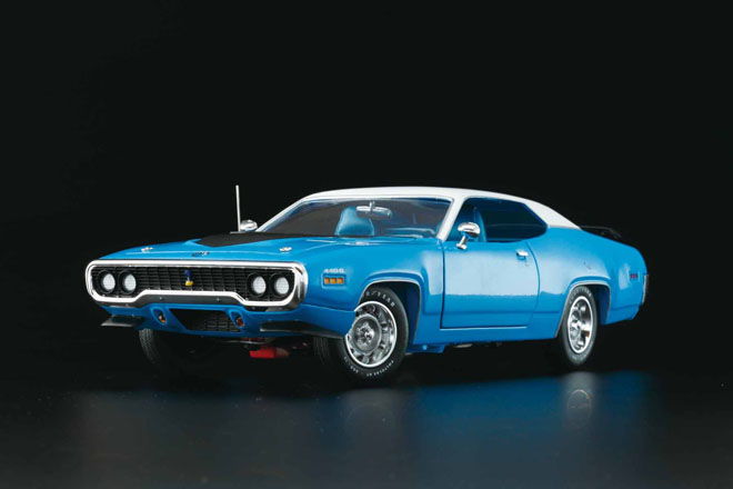1/18 auto world 1971 Plymouth Road Runner