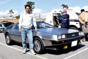 デロさん DELOREAN DMC-12