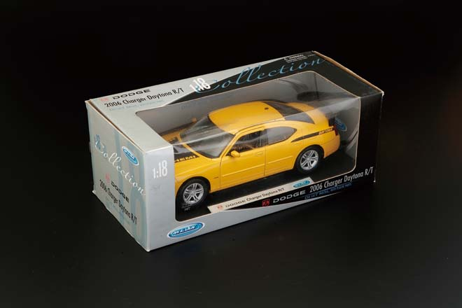 1/18 2006 DODGE CHARGER DAYTONA R/T