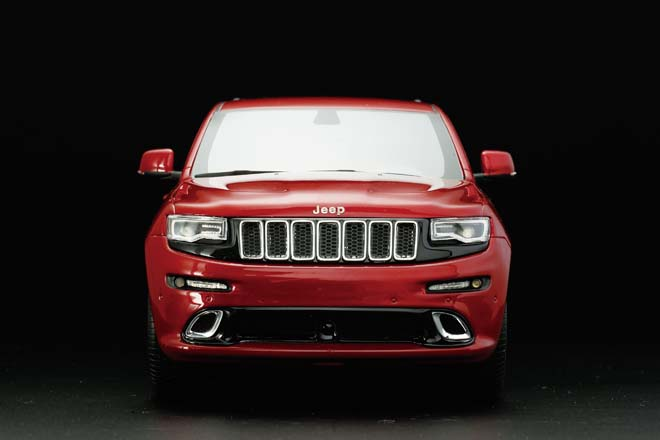 1/18 2015 Jeep GRAND CHEROKEE SRT8
