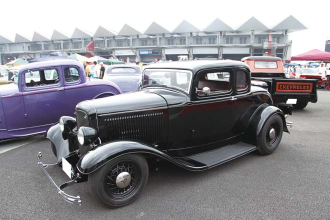 1932 Ford Model B 5window Coupe